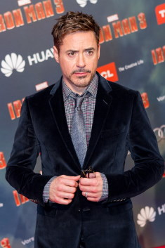 Robert Downey Jr. / Author : Vincent Zafra, Illusion Story / CC BY-SA (https://creativecommons.org/licenses/by-sa/3.0)