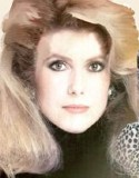 Catherine Deneuve, so cold, and yet so sensitive and lively, with Neptune in the 8th House and the Sun in the 9th House. Her lovers or husbands are often foreigners.