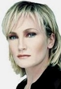 Patricia Kaas, a French singer with an apparent smile, calm, and charm, but with extreme hidden tensions. She has Uranus-Pluto-Moon in the 8th House square Venus and opposite Saturn. But... isn't it an asset for an artist?